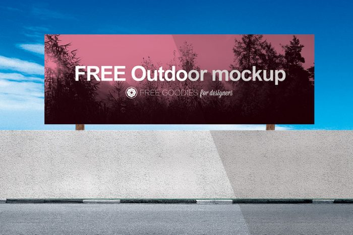 BILLBOARD MOCKUP IN PSD